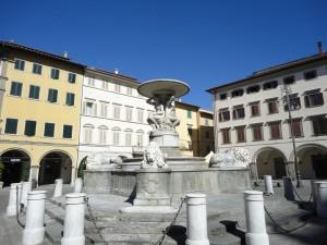 Empoli-Piazza-dei-Leoni-visite-guidate
