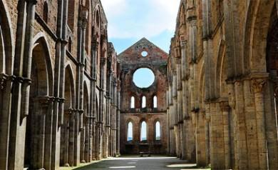 visite guidate all'Abbazia di San Galgano e alla spada nella roccia