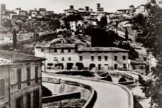 Guideintoscana, Certaldo, foto del vecchio ponte sul torrente Agliena